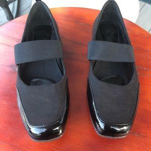 Mootsies Tootsies Black Mary Janes - Size 6